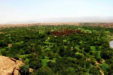Des-gorges-et-des-vallées-sur-Maroc
